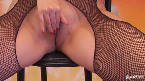 Sharon Lee - Voluptuous French babe Sharon Lee gets her
