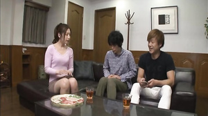Friend's Mother Aki Sasaki [VEC-210]