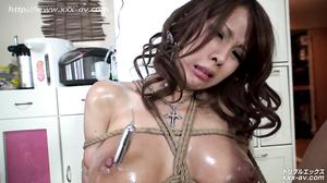 Emmi Kisaki Bondage