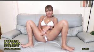 KONN-012 Gui Included Bikini Out In The Obscene Smell D