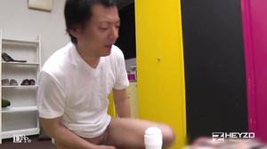 Maki Houjyo Milfs Dirty Door To Door Sales