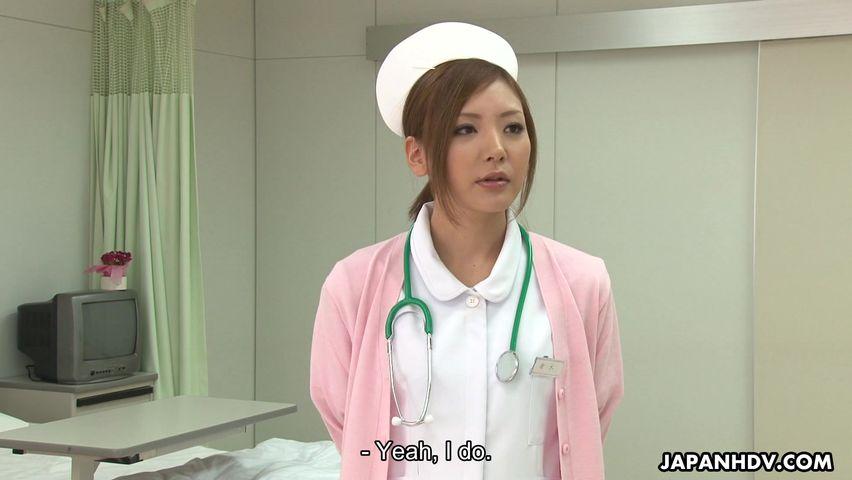 Krankenschwester Mio Kuraki ermöglicht ein patient, um zu spielen mit Ihrem Arsch und Spielzeug Ihre
