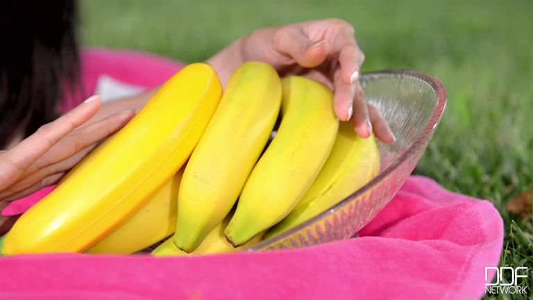 kak-masturbirovat-bananom